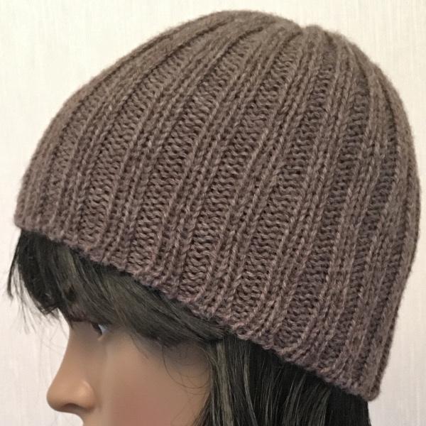 Vid o un bonnet en c tes 2 2 - Modele de bonnet a tricoter facile ...