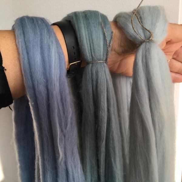 teindre-laine-en-bleu